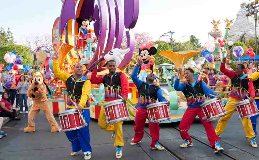 Disneyland Parades- Free Seating Guide and More!
