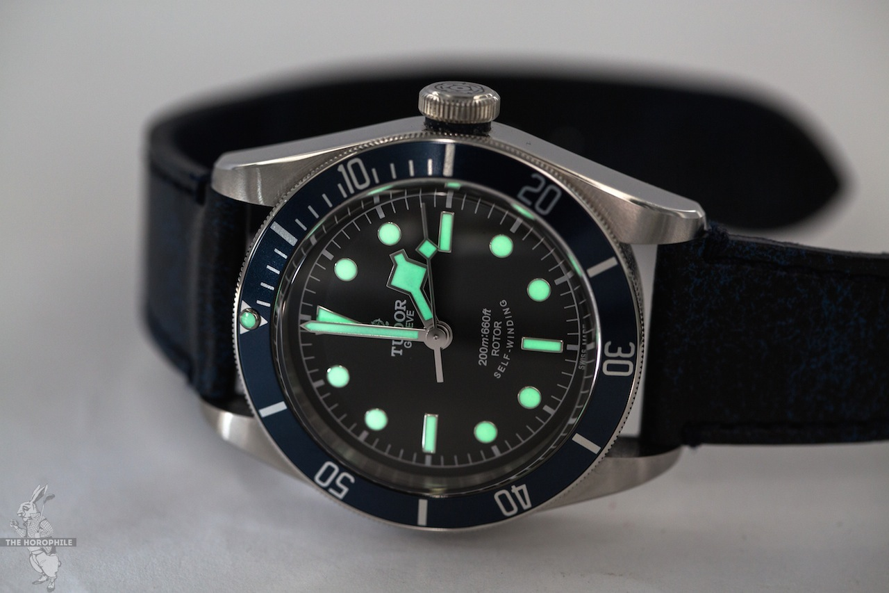Tudor-Black-Bay-Blue-lume