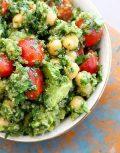 Lemon Quinoa Clinatro chickpea salad