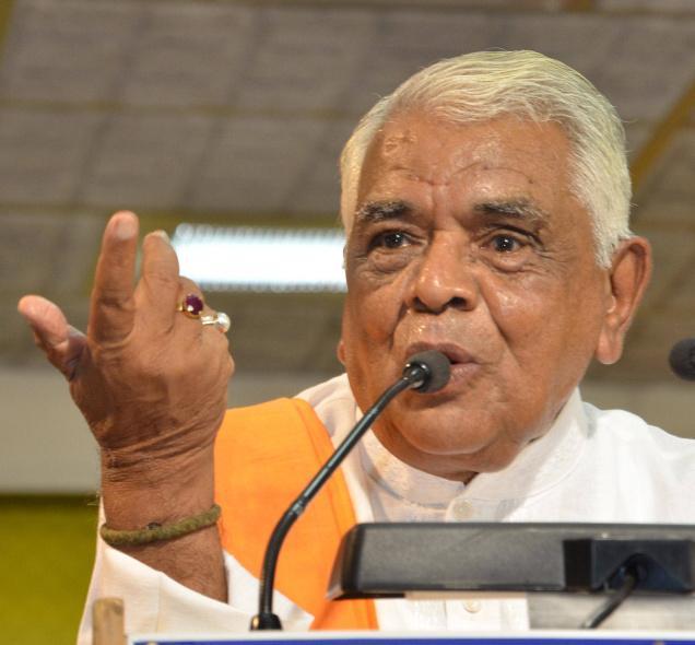 Congress's Digvijaya Singh hits back at Gaur