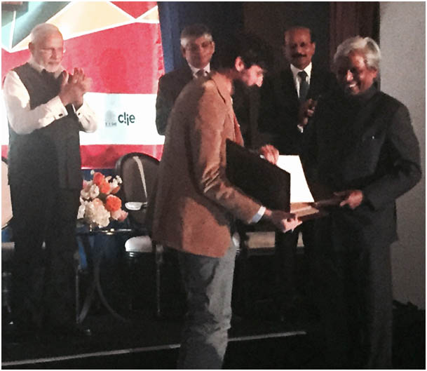 The letter of intent to distribute Foldscope through DBT's star college and other programmes being exchanged between the Department of Biotechnology (DBT) and the Prakash Lab in the presence of Prime Minister Shri Narendra Modi during his visit to Silicon Valley in USA - Sep, 2015.