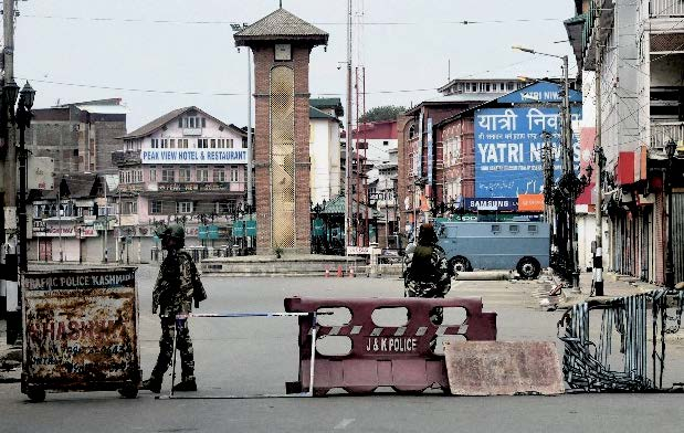 LIFE LIMPING BACK TO NORMAL IN KASHMIR VALLEY