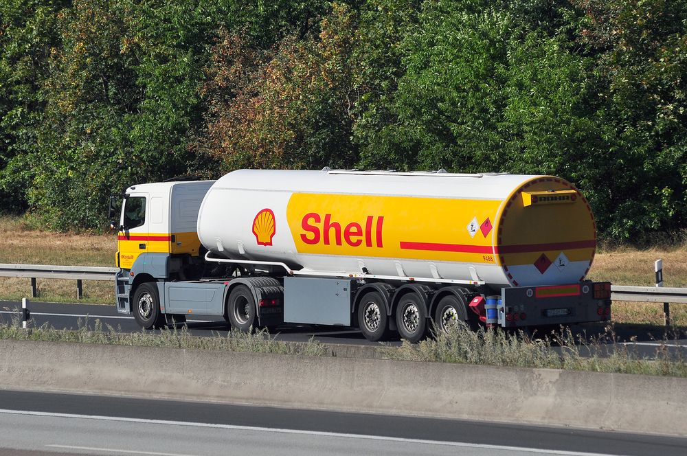 Shell profits fall short of forecasts in 8pc slump