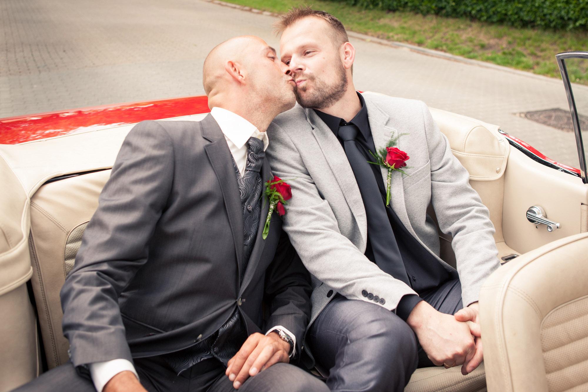 Sjov og ballade mellem bestman og gom ved bryllup i Herning