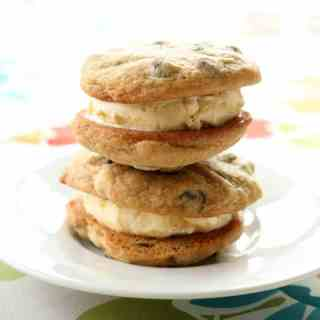 chocolatechipcookieicecreamsandwiches