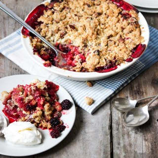apple crumble, crumble, healthy apple crumble, dessert, the life harvest, food blog, family desserts, easy desserts, sweet treats, ice-cream, crumble topping, blackberry crumble, blackberry and apple crumble