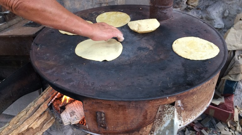 Cooking the Tortillas, Tortillas Hecha a Mano