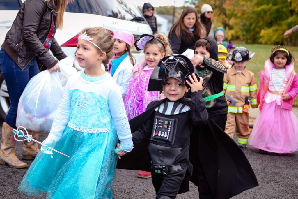 2016_10_28-halloween-parade-022-edited