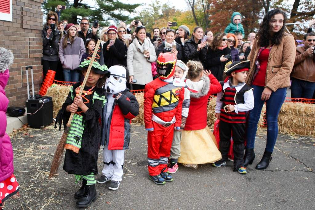 2016_10_28-halloween-parade-040-edited