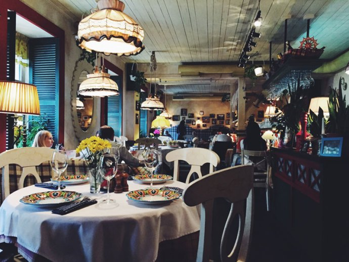 Gosti-restaurant-ristorante-Saint-Petersburg-Russia-San-Pietroburgo-Photo-credit-by-Thelostavocado-(2)