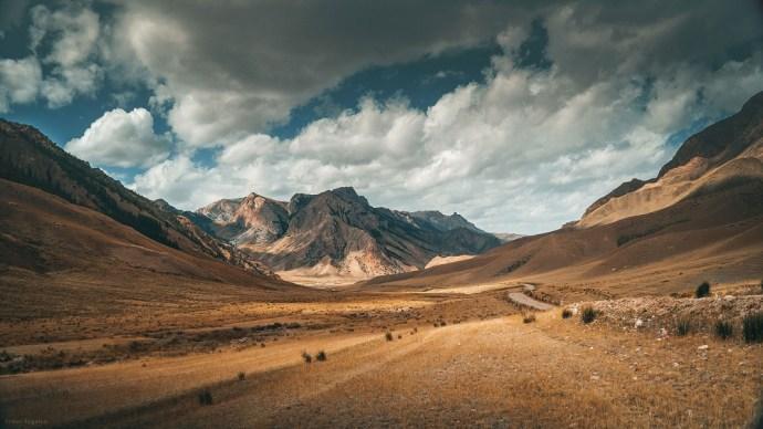 mountain-copy