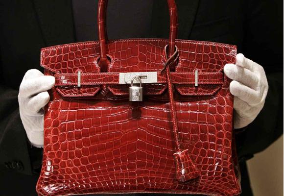 El Birkin es uno de los bolsos más caros y deseados. Encárgalo aquí