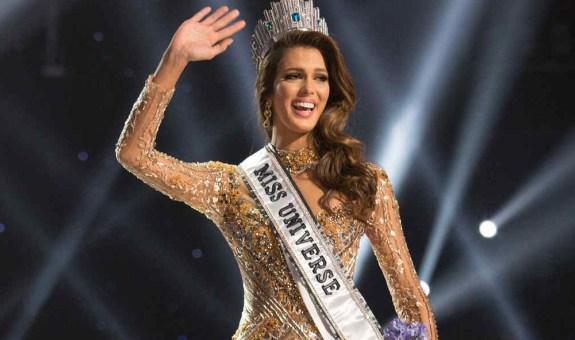 ¿Es homosexual la reina de la belleza mundial?
