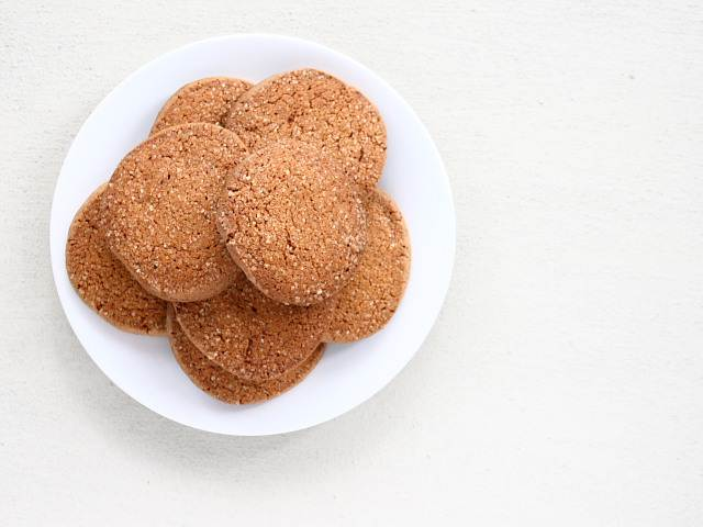 Gingersnap biscuits