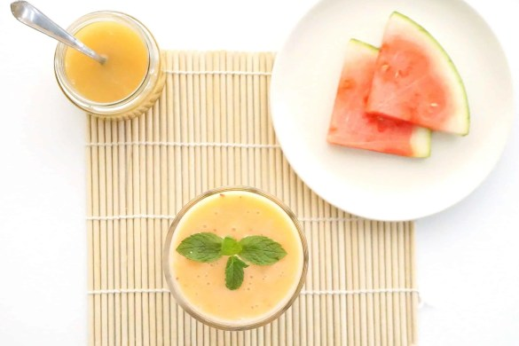 How to make a delicious Tropical Papaya Smoothie by The Makeup Dummy