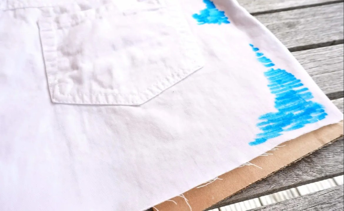 Tutorial on How To make Watercolor Cut off Shorts with Fabric Markers DIY by The Makeup Dummy
