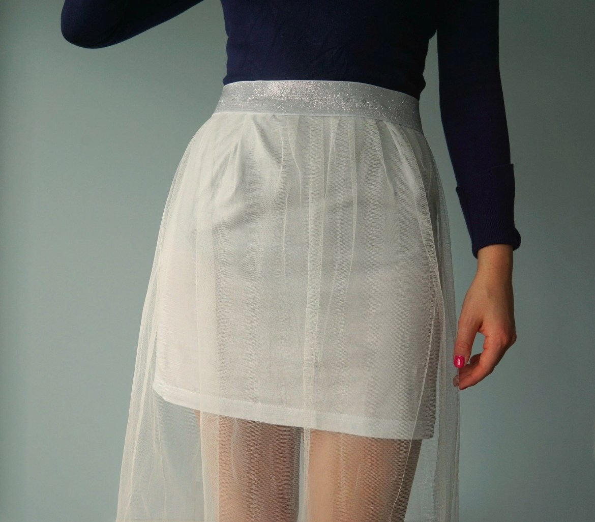 how-to-sew-your-own-very-easy-diy-long-tulle-skirt-with-no-math-tutorial-by-the-makeup-dummy