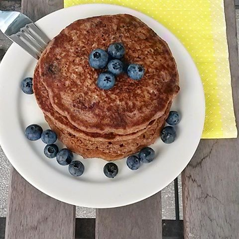 Had some healthy blueberry pancakes for breakfast today! yum cleancheathellip