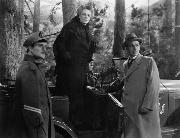 THE LADY VANISHES, Mary Clare (standing in car), Paul Lukas (right), 1938