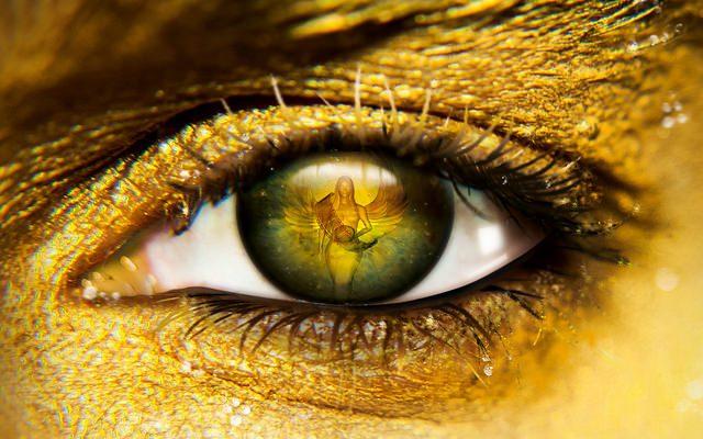 Little Yellow Eyes by Lela Marie De La Garza