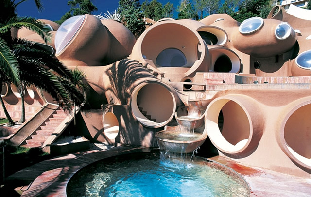 The Remarkable Palace of Bubbles