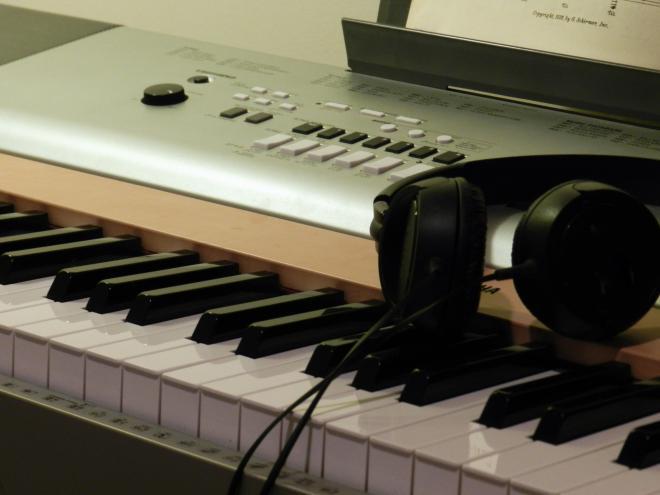 Digital Piano Vs Acoustic Piano