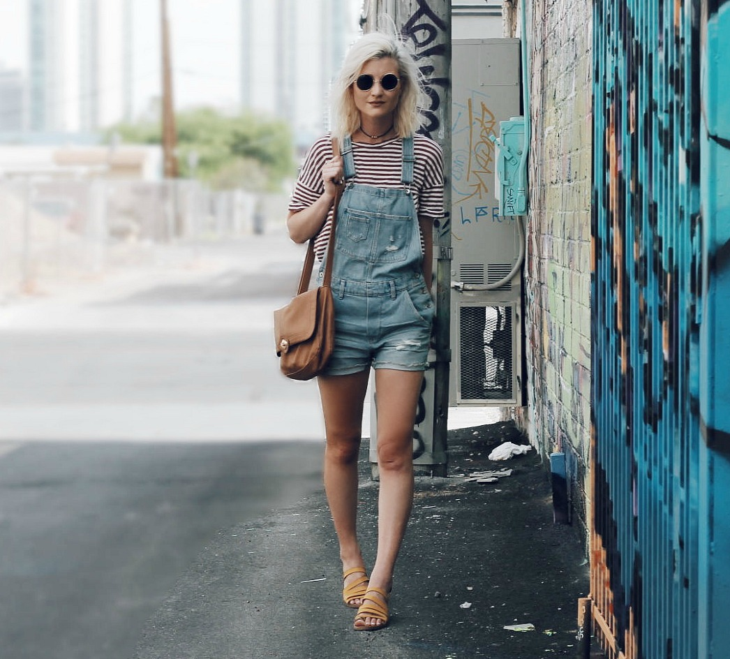 OVERALL SHORTS & STRIPED TEE