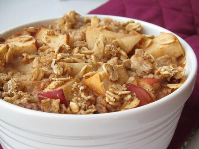 apple-pie-baked-oatmeal-252810-2529