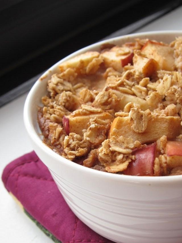 apple-pie-baked-oatmeal-252812-2529
