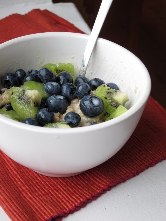 blueberry-kiwi-oatmeal-4-