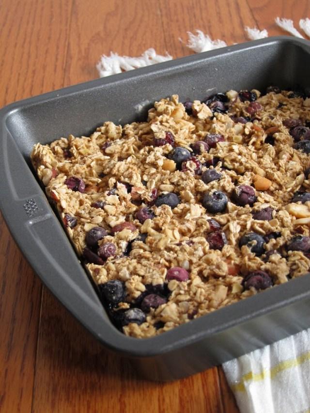 blueberry-trail-mix-oatmeal-4-