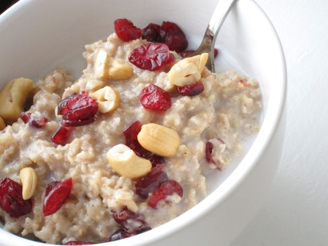 yogurt-oatmeal-25284-2529