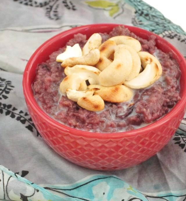 Cherry Cashew Oatmeal #vegan #OatmealArtist