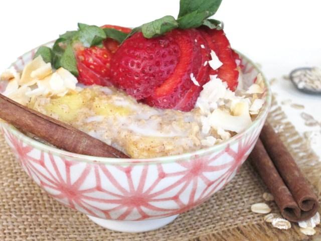 Chai-Spiced Pineapple Oatmeal #oatmealartist #vegan