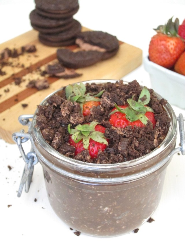 Dirt Pie Overnight Oatmeal by the #OatmealArtist #Vegan