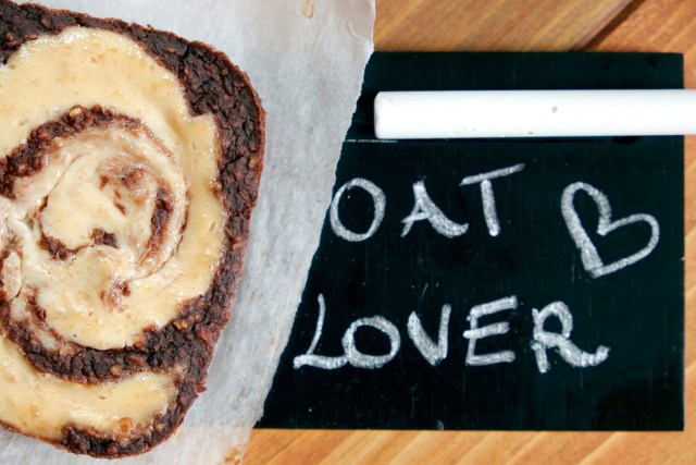 Peanut Butter Cheesecake Brownie Baked Oatmeal | Guest Post on the #OatmealArtist