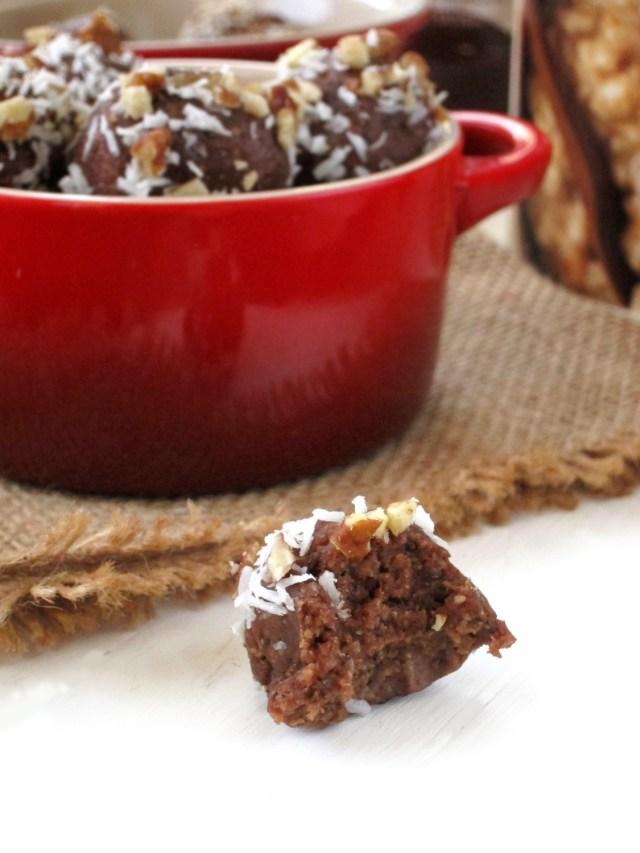 German Chocolate Cake Oatmeal Bites #OatmealArtist #Vegan
