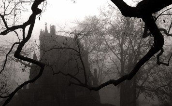 13 Scary Ghost Stories So Spooky You'll Sleep With The Lights On