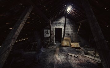 7 Sinister True Ghost Stories To Read In The Dark