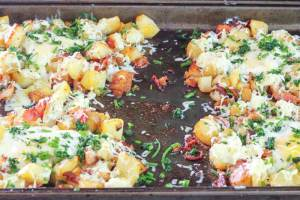 Potato-Bacon-and-Egg-Sheet-Pan-Breakfast