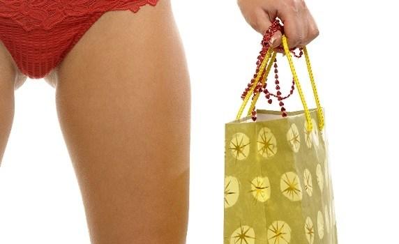 shopping-in-your-underwear