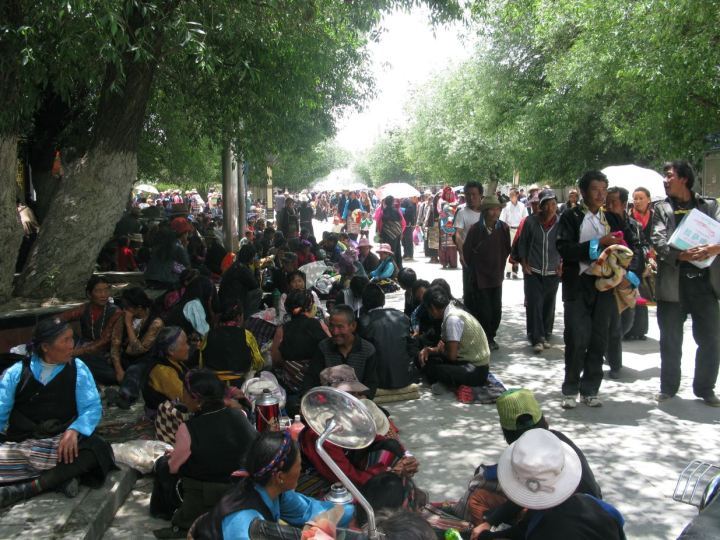 Festival day in Shigatzu so everyone comes to town
