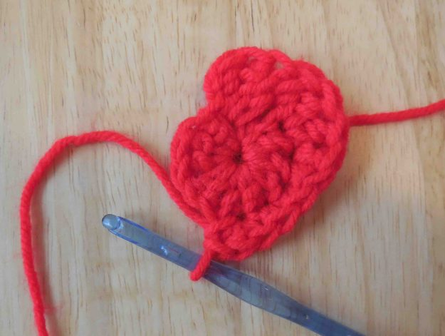 Crochet Stitches Trc : the second round; slip stitch in the first stitch (the stitch ...