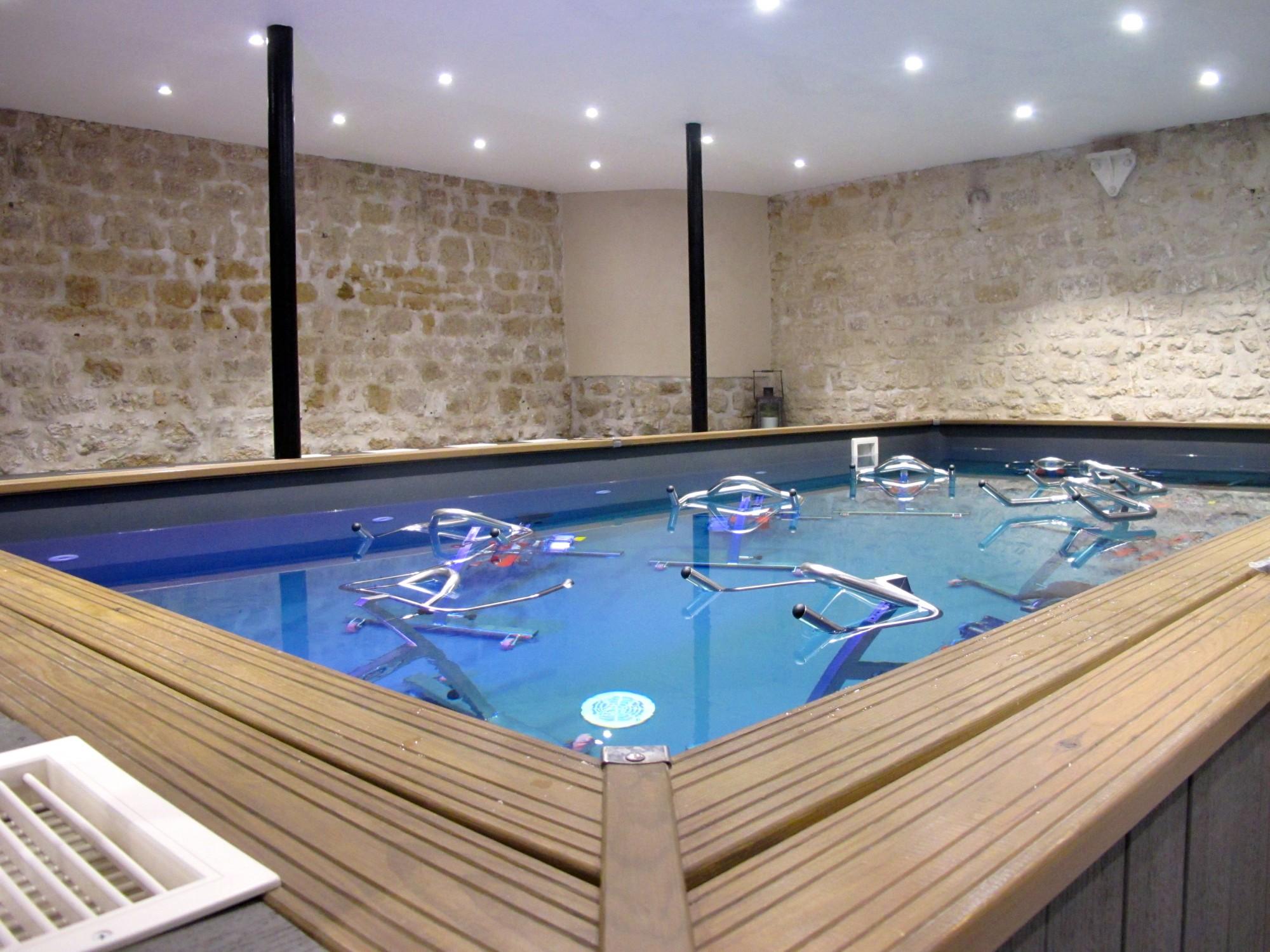 Atelier mood l 39 aquabiking l 39 honneur the parisienne - Aquabiking piscine keller ...