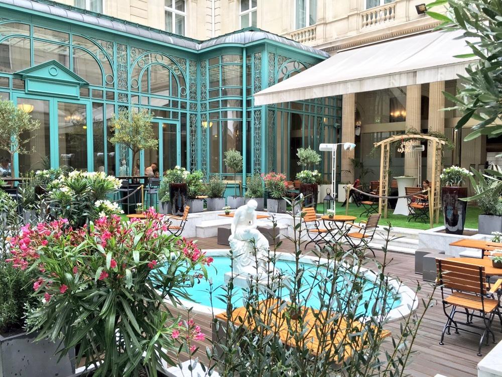 Paris vu par isabelle de mon paris joli the parisienne - Terrasse et jardin fleuri paris ...
