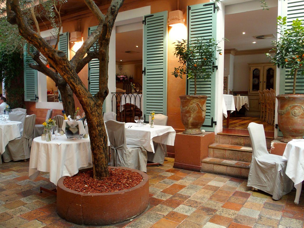 Restaurant le sud d paysement garanti the parisienne - Restaurant le sud paris porte maillot ...