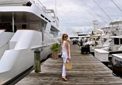 sandestin marina white on white crisp attire dallas blogger beach blogger travel blog