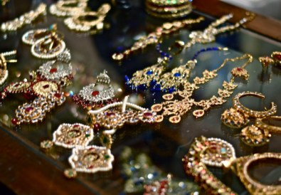 jewelry dallas blogger shop baubles costume jewelry