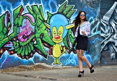 deep ellum dallas texas fashion blogger milk and honey boutique graffiti