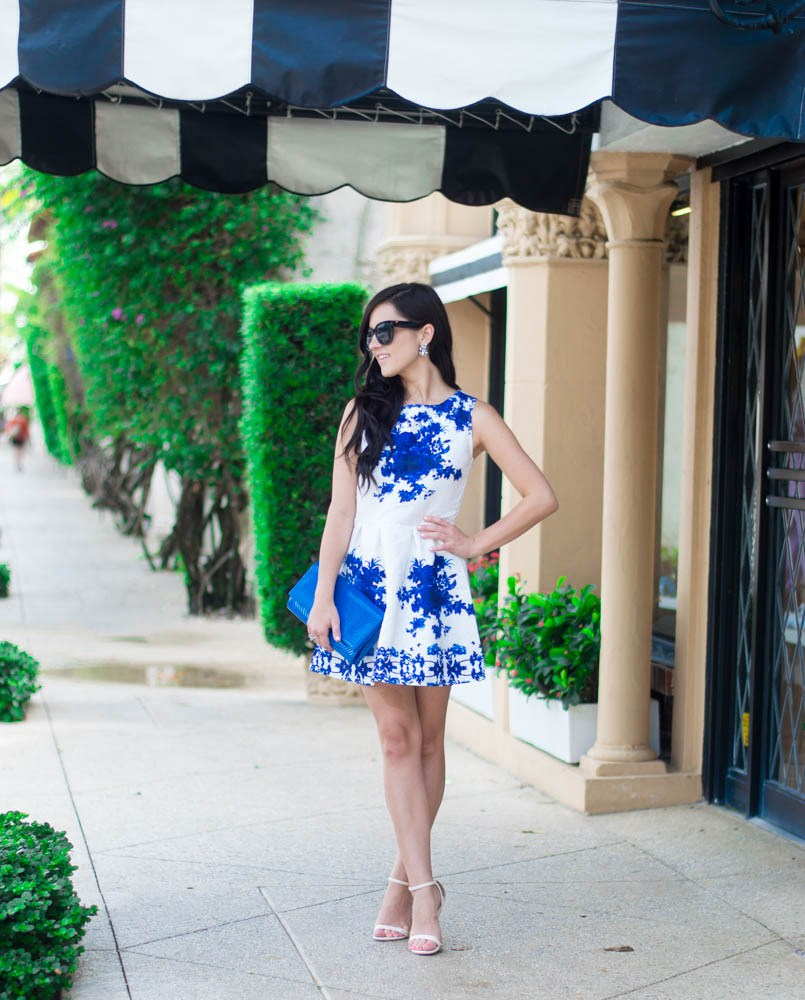 blue-and-white-shift-dress-8